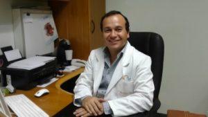 """Dr. Alex León: """"El lente intraocular, es una cirugía muy segura y significa una mejor calidad de visión para los pacientes"""""""
