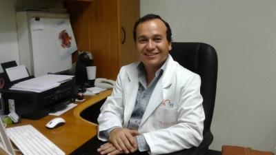 Dr. Alex León Herrera