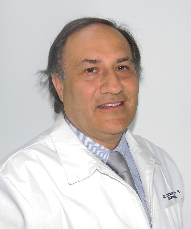 Armando Pezo Oftalmólogo